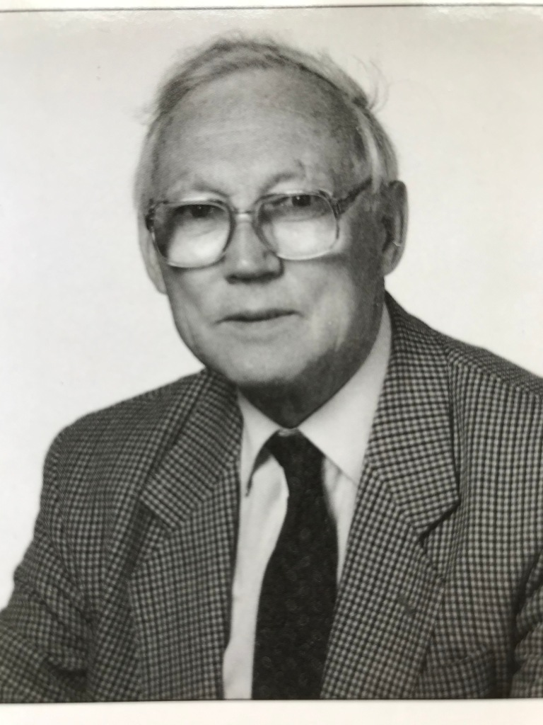 Winner of the 2008 Kew Guild Medal, Ray Desmond