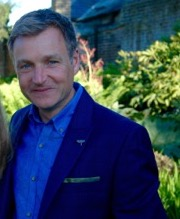 Winner of the 2017 Kew Guild Medal, Chris Beardshaw